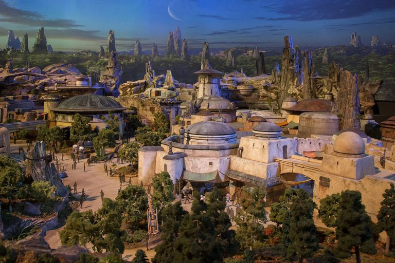 Sneak Peek of Disney's Star Wars: Galaxy's Edge